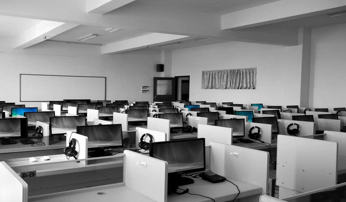 Edukacija učenika srednjih škola u Banatu iz oblasti IT